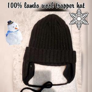 Black 100% lambs wool knit trapper hat